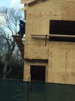 No guard rails or scaffold grade planks in Mass